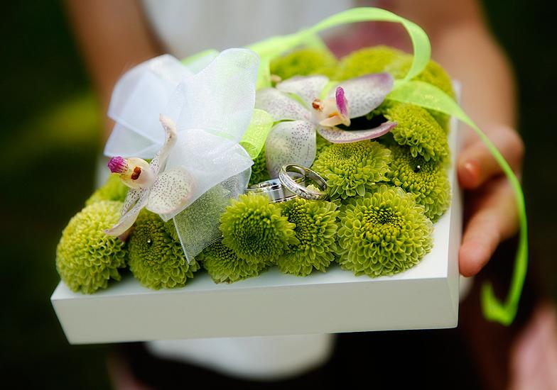Wedding flower ring bearer