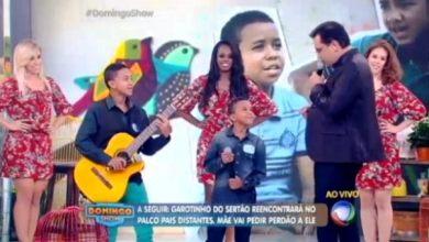 """Photo of Aurora-CE: Dupla de garotos se apresenta no """"Domingo Show"""" da TV Record; Veja Vídeo"""
