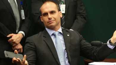 Foto de STF encaminha processo de Eduardo Bolsonaro para vara criminal por suposta ameaça a uma jornalista