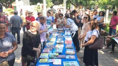 Photo of Juiz e escritor Flavio Moraes, participa de evento que distribui mais de mil livros em praça pública