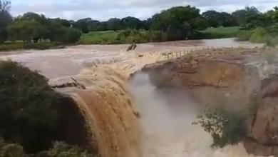 Foto de Cachoeira de Missão Velha ganha fortes quedas d'água após chuvas