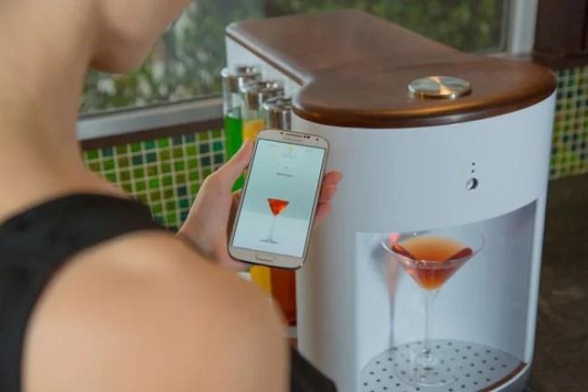maquina para preparar bebidas con la aplicación del celular