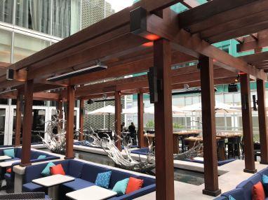 Dadong Restaurant 42nd Street Water Feature