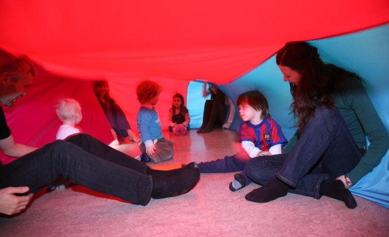Danselek for barn og voksne ved Sinsen Skole
