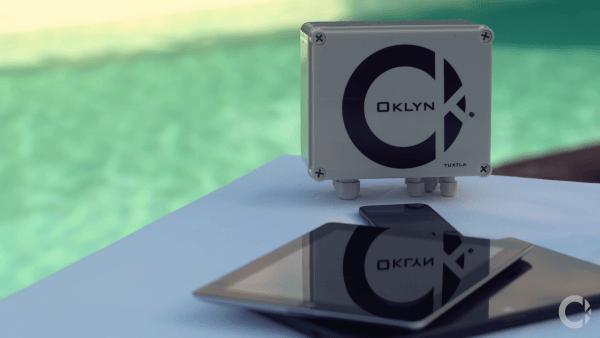Assistant Connecté pour Piscine Oklyn boitier et tablette