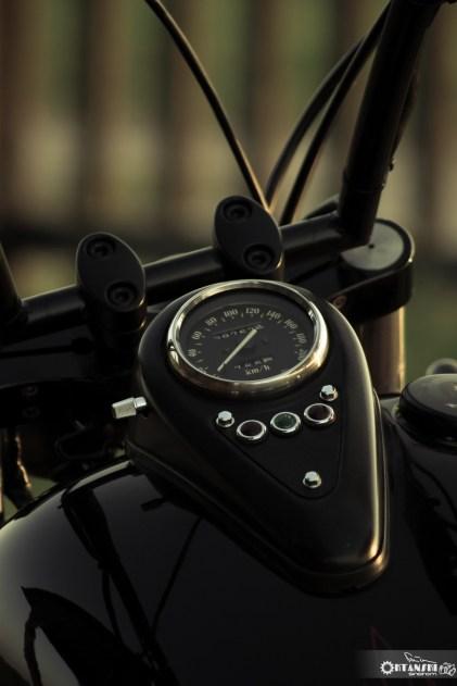 Kawasaki VN 800 bobber 4