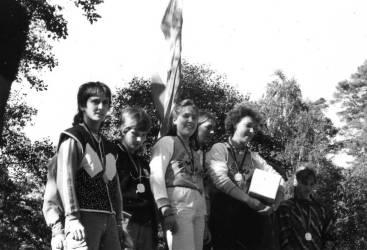 Berit (Mitte) mit Annett Gerold und Cornelia Dräger als Staffel-DDR-Meister 1989