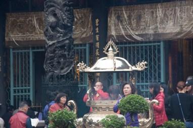 Cérémonie au Quigshan temple