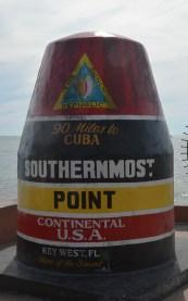 En face, les amis cubains