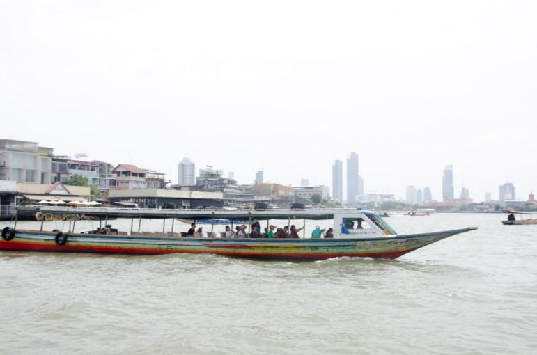 En avant pour 1h de Chao Praya Express