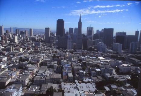 downtown vu de Coil Tower