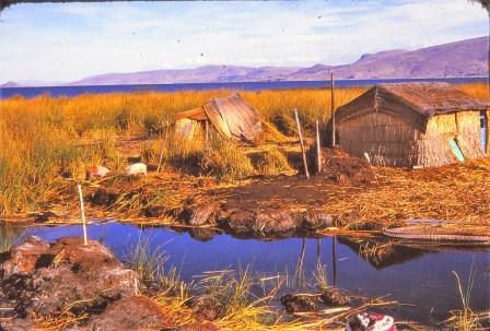Lac Titicaca : iles des Uros