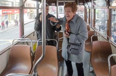 maman dans le tram
