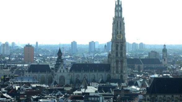 Anvers la cathédrale vue du musée