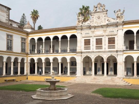 L'Université d'Evora