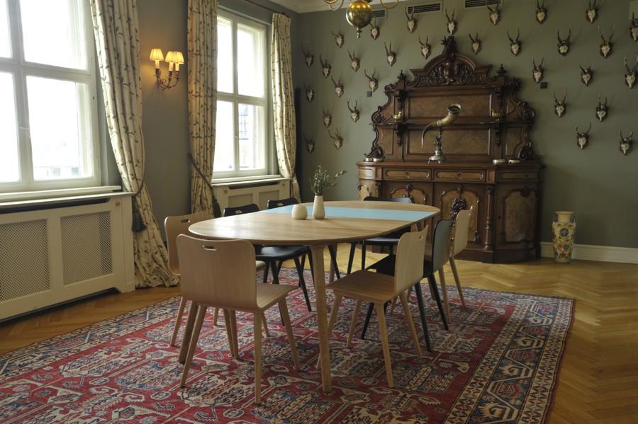Alle nye Eat Oval Spisebord - Via CPH • Prisgaranti • Gratis levering • Køb DL47