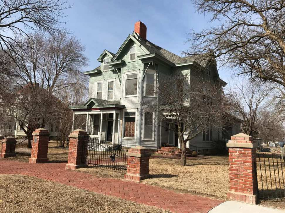 1897 Queen Anne Victorian For Sale In Cherryvale Kansas
