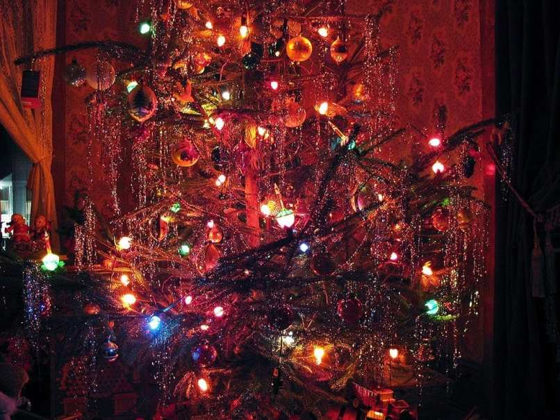 443adf6660d Old Fashioned Christmas Tree 1940 S Style Oldhouseguy Blog