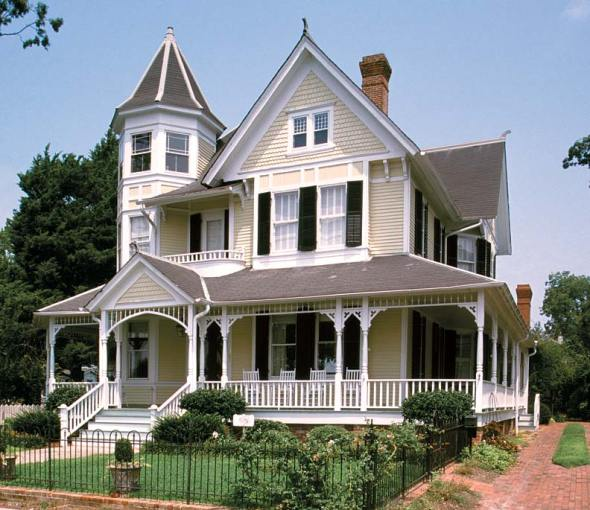 The Charm of Queen Anne Houses   Restoration   Design for the     This Barber Queen Anne in Edenton  North Carolina  built in 1897  is  handsomely