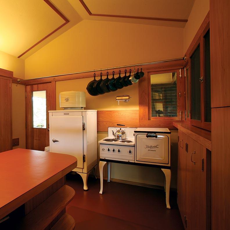 Restoring A Frank Lloyd Wright Kitchen Restoration Amp Design For The Vintage House Old House