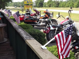 Twin Lakes, GA: Bikers for Veterans stop at Big Al's for a beer break.