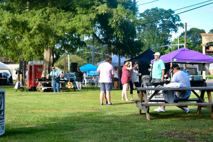 Farmers Arts Metairie Market Photo 17 | Old Metairie Garden Club