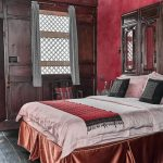 Shaxi hotels | Old Theatre Inn queen bed | Shaxi Yunnan China