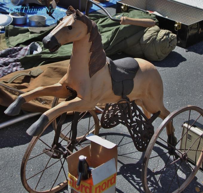 27-Pasadena Flea Market at the Rose Bowl 048