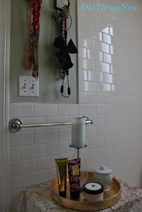 35-Bethany's Apartment 050