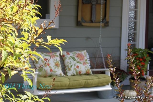 06-Autumn Porch 042-001 (640x427)