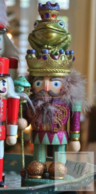 Creating a glittery nutcracker from a thrift store find old things new glittery nutcracker 010 solutioingenieria Image collections