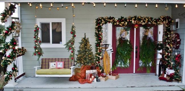 Porch at Lakehouse1.jpg
