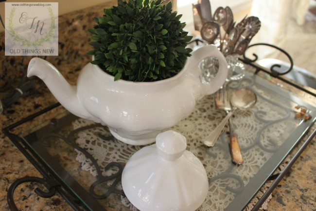 Boxwood Decor 002