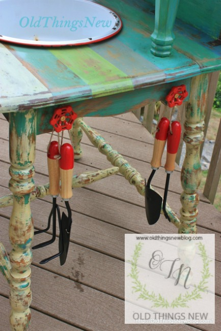 Potting Bench 018