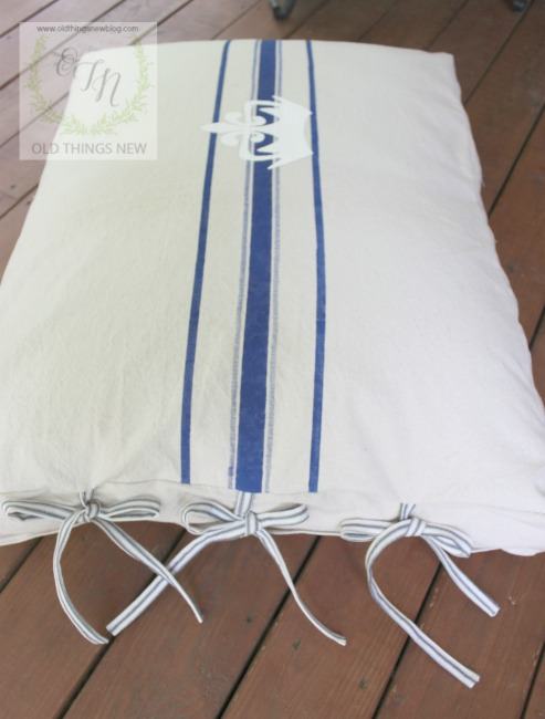 Dog bed 010a
