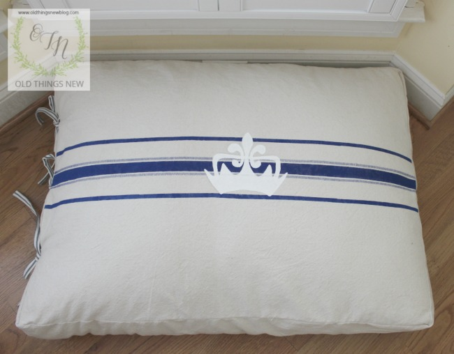 Dog bed 019