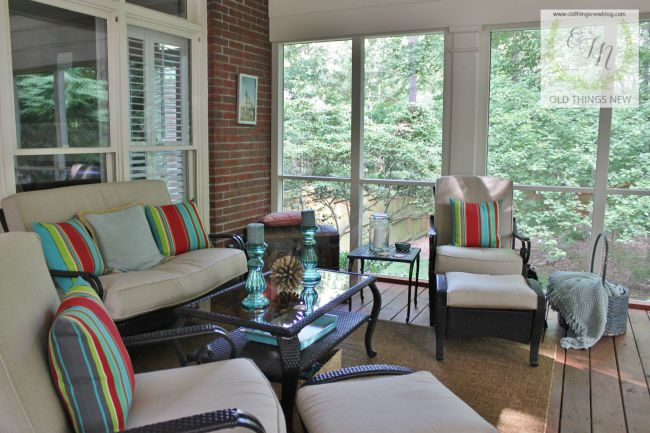 Screened Porch 036