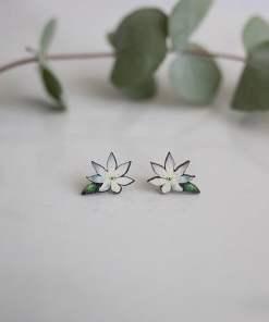 Kukkakorvakorut