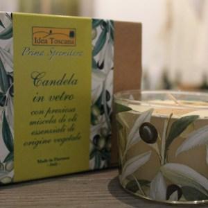 Candela in vetro con preziosa miscela di oli essenziali di origine vegetale
