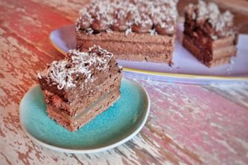 Nutmeg and lemon chocolate cake