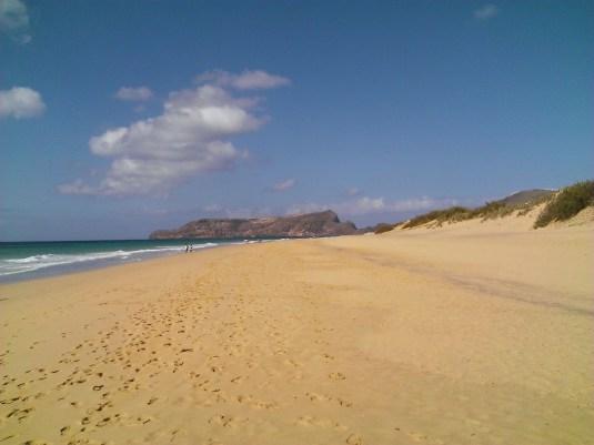 Der 9 km lange Sandstrand von Porto Santo