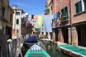 Grachten in Venedig Wäsche