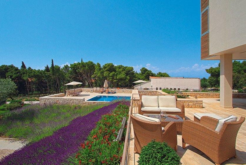 Sonnenterrasse Poolblick Amor Velaris Resort