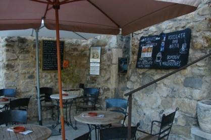 gemütliches Café in Besalú