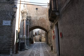 Kleine Gasse durch die Altstadt von Erice