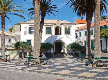 Ortskern des Inselörtchens Vila Baleira Porto Santo