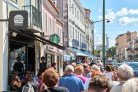 Straße in Belém Geschäfte Cafés