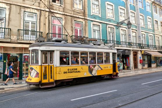 Gelbe Straßenbahn Lissabon