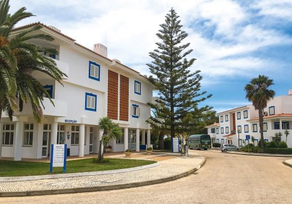 Blick auf Rezeptionsgebäude Appartements Vilabranca Algarve