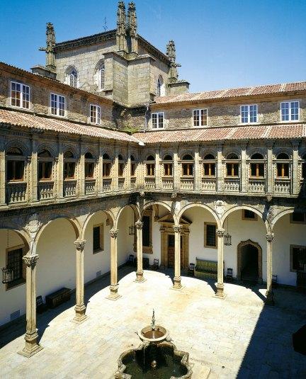 Innenhof im Parador de Santiago de Compostela